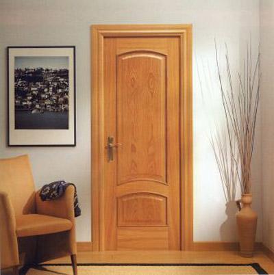 Carpinter a c mo reparar una puerta de madera avisos y - Como barnizar una puerta de madera ...
