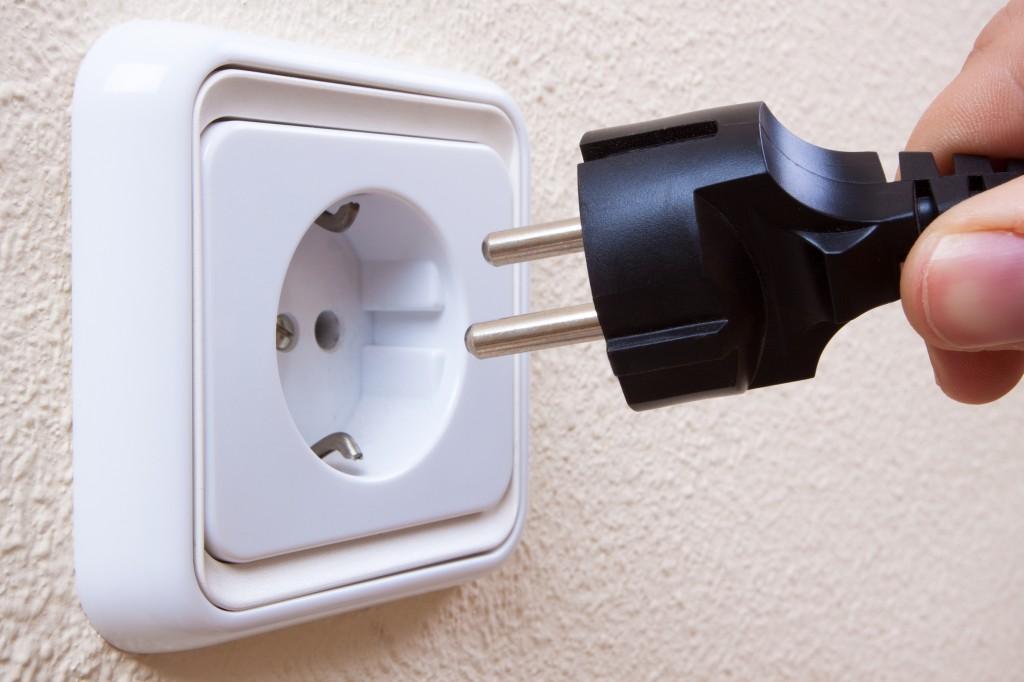 Tip electricistas c mo renovar un enchufe avisos y - Prese elettriche esterne ...