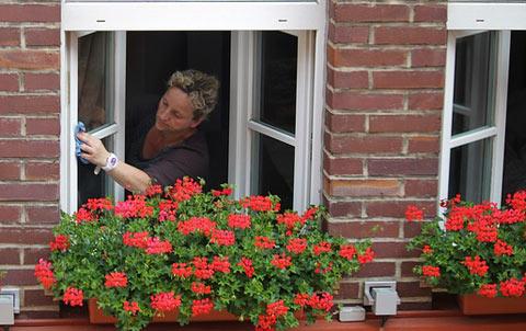 C mo limpiar ventanas muy sucias cristaleros madrid - Como limpiar paredes blancas muy sucias ...