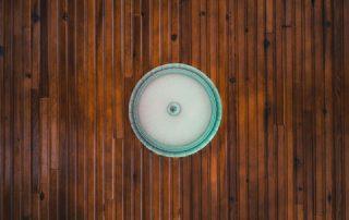 manchas pared madera