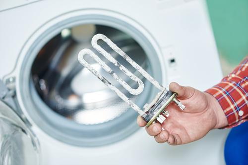Cómo eliminar la cal de la lavadora