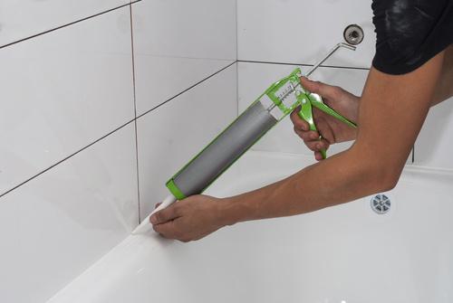 Cómo cambiar la silicona de una bañera